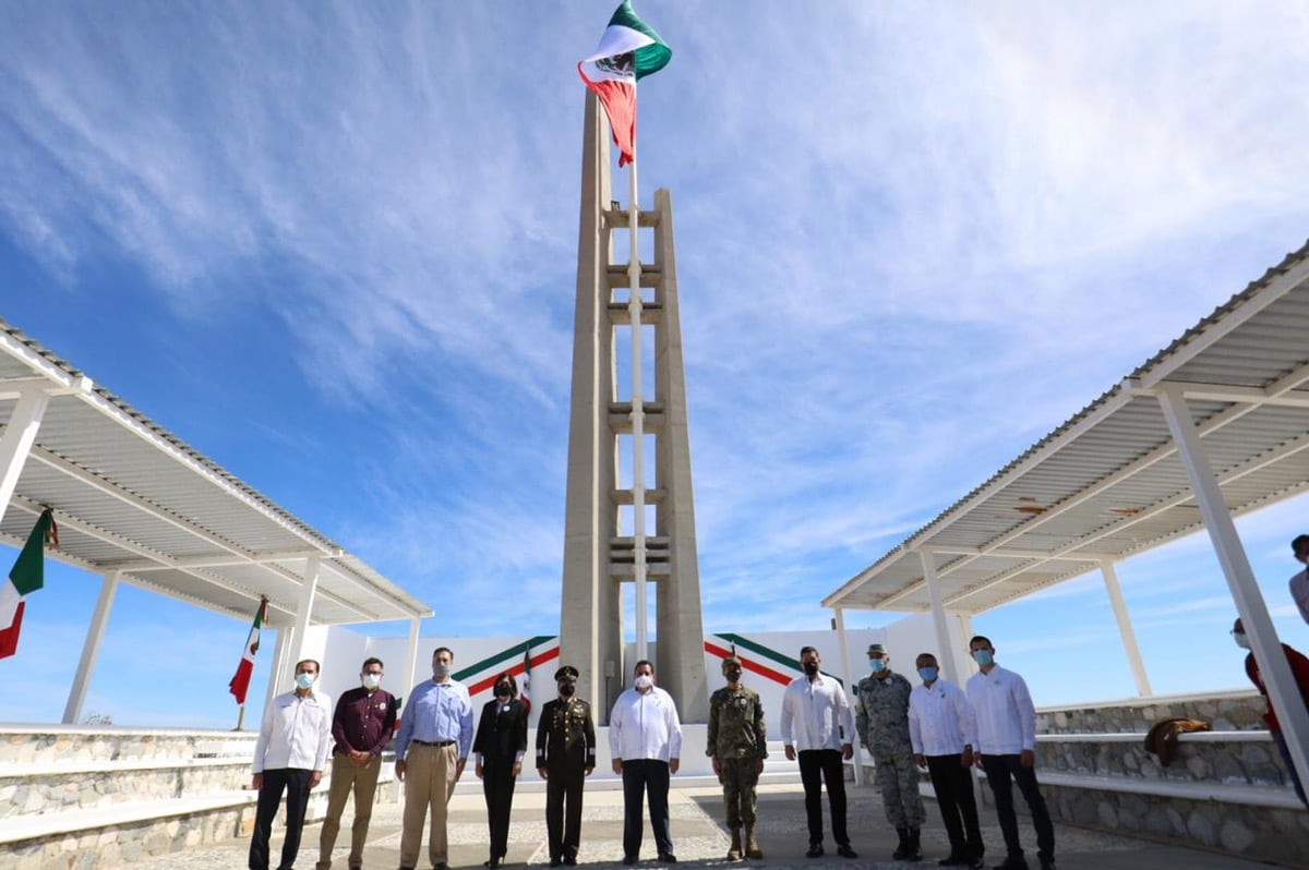 Encabeza CMD conmemoración por el Día de la Bandera Nacional