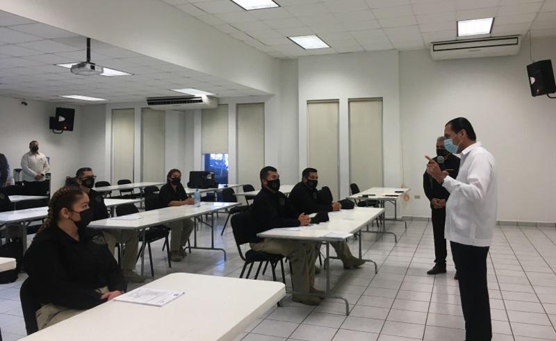 Egresan 15 nuevos agentes de investigación criminal en BCS
