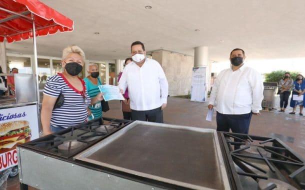 Entrega Gobernador apoyos del programa impulso productivos familiares de La Paz