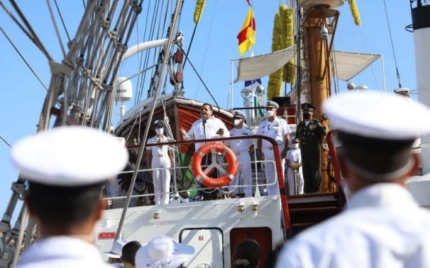 Arriba buque escuela velero Cuauhtémoc a BCS