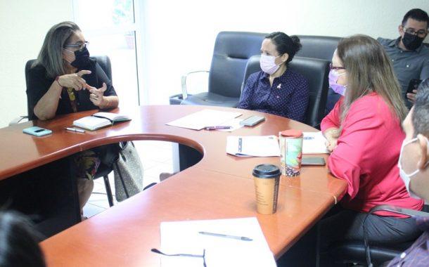 Salud estatal y SEDIF desarrollan acciones conjuntas contra el cáncer de mama